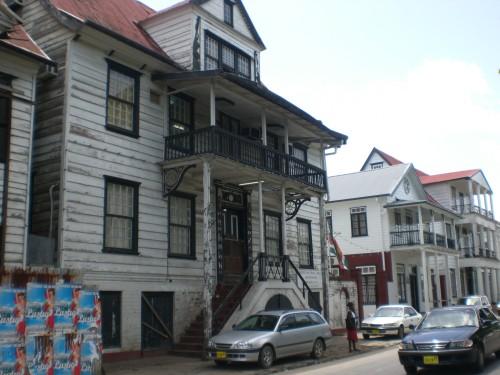 Huizen Parimaribo