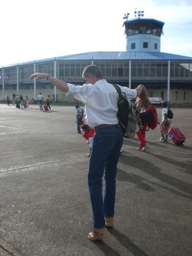 Papa blij om de Surinaamse grond weer onder zijn voeten te hebben