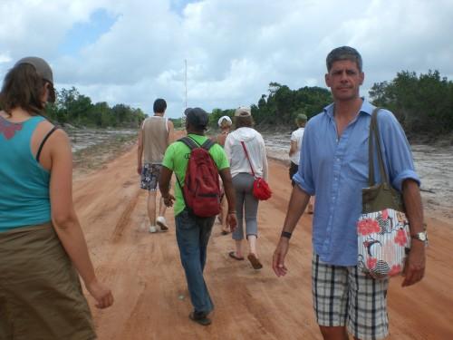 lopende groep door Suriname