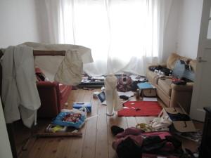 Ik en mijn studie materiaal opgesloten in het voor ons nog nieuwe appartement na kerst