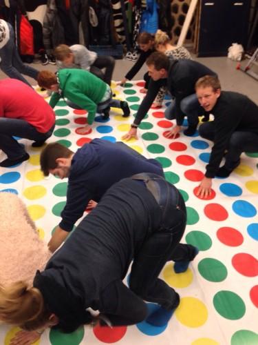 Het mega Twister spel! Een week lang spierpijn in mijn vingers en polsen als gevolg, haha!