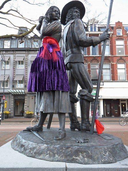 Haarlem standbeeld Ripperda en Kenau